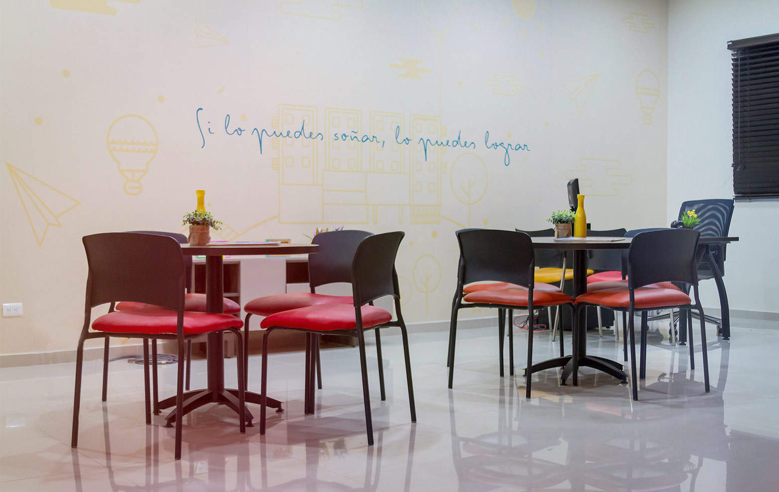 Synesthesika sntk dise o interior oficinas for Diseno oficinas modernas bogota